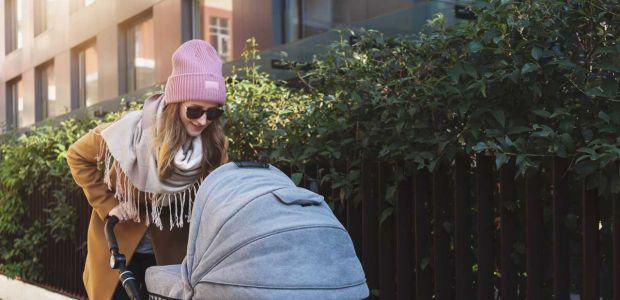 Torby dla mam w supercenach: elegancka alternatywa dla torby do wózka