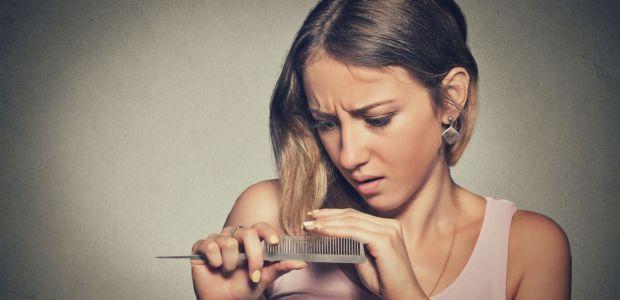 Co zrobić, by włosy nie wypadały? Oto domowa pierwsza pomoc na każdą kieszeń!