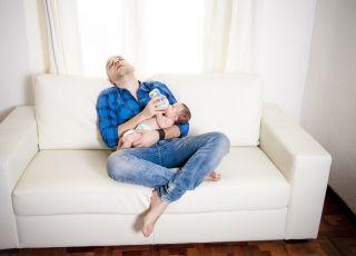 Rodzice niewyspanie zganiają na dziecko. Okazuje się, że niepotrzebnie