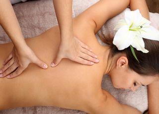 Dlaczego warto iść na masaż ciała po urodzeniu dziecka? (film)