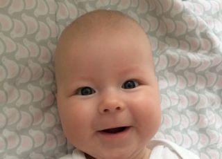 Gdy dziecko uśmiecha się, wszystkie smutki mijają...