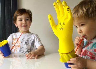 DIY: Jak zrobić fajną zabawkę dla dzieci w minutę? (FILM)