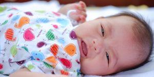 11 rzeczy, których uczy się dziecko, gdy natychmiast reagujesz na jego płacz albo krzyki