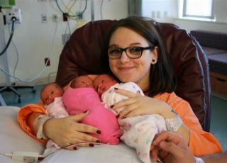 19-letnia mama urodziła identyczne trojaczki
