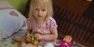 2-letnia Natalka z Puław po wypadku