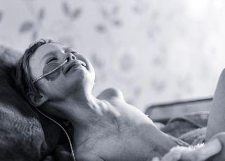 4-letnia dziewczynka w bólu walczy z rakiem