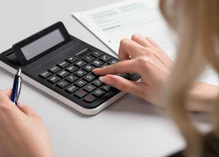 Jak obliczyć dochód, aby otrzymać 500 plus na pierwsze dziecko? [AKTUALNE ZASADY]