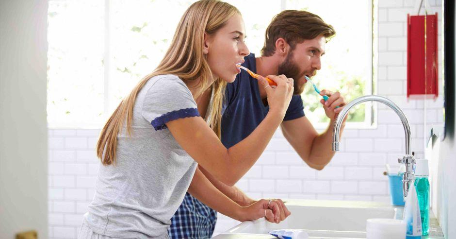 alergia na pastę do zębów, mycie zębów