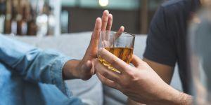 alkohol pity przez ojca źle wpływa na płód