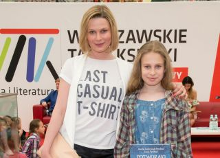 Aneta Todorczuk-Perchuć z córką, Warszawskie Targi Książki