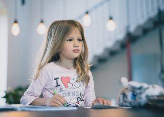 """""""Angielski, gimnastyka, taniec, rysunek. Posyłam moje dziecko na tyle zajęć, ile się da, bo chcę żeby kiedyś było kimś!"""""""