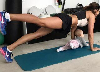 Anna Lewandowska trenuje małą Klarę