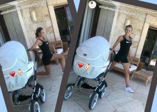 Anna Lewansowka ćwiczy z małą Klarą w wózku