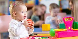 antyszczepionkowcy próbują zapisać dzieci do przedszkoli