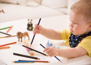 apel mamy o zostawianie rysunków dziecka na pamiątkę