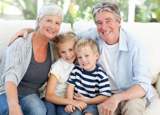 babcia, dziadek, dzieci, wnuczek, wnuczka