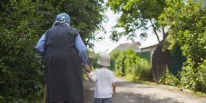 babcia, dziecko, wieś