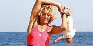 Baby yoga, czyli Lena Fokina i trening z niemowlakiem