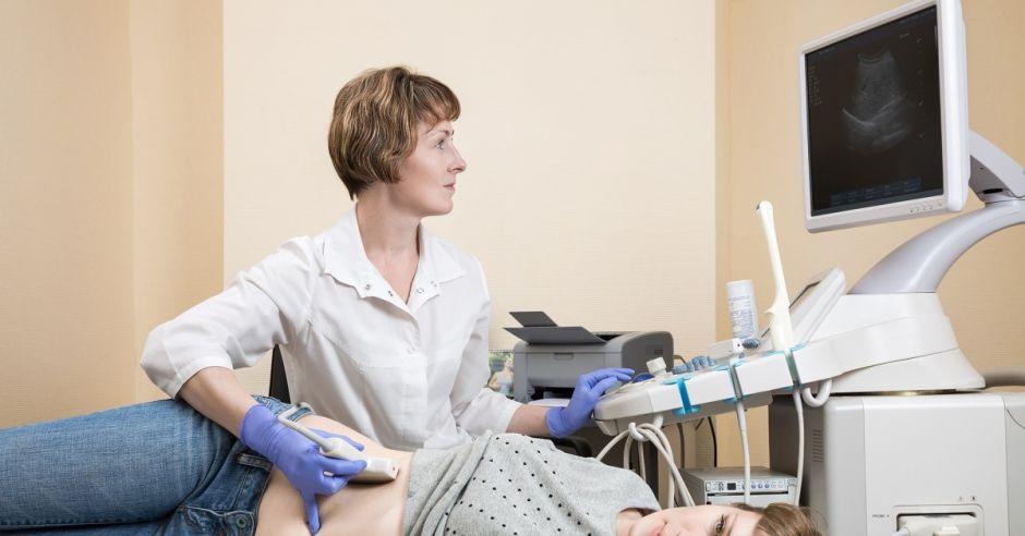 Badanie USG, badanie, ginekolog, kobieta, badanie ginekologiczne