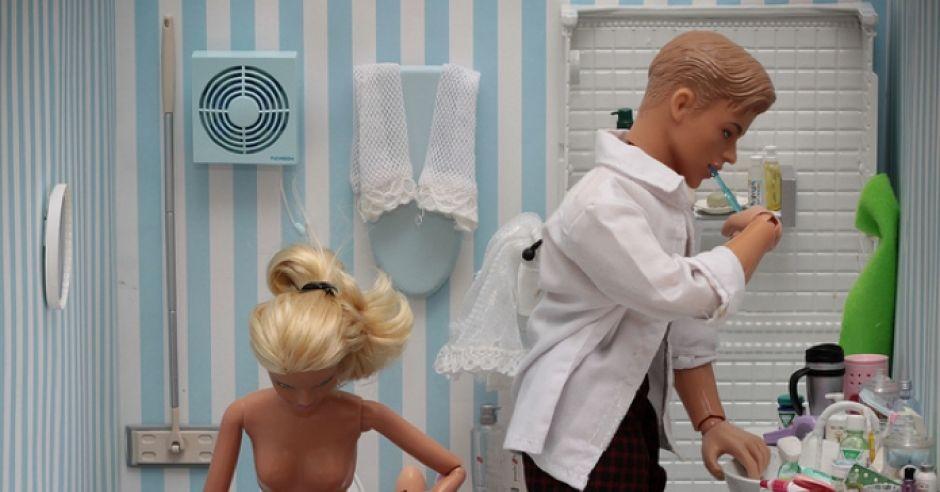 Barbie i Ken w łazience
