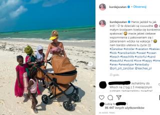 Basia Kurdej-Szatan reklamuje wózek z afrykańskimi dziećmi