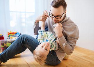 budowanie więzi z dzieckiem przez tatę
