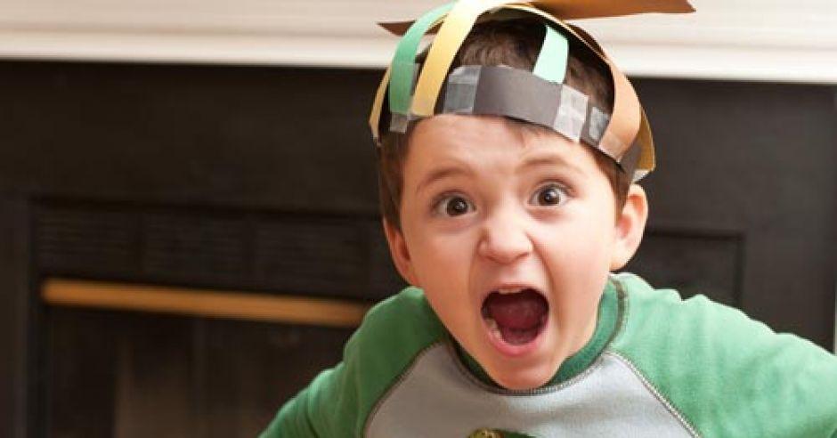 bunt dwulatka, dziecko, dwulatek, krzyk, złość