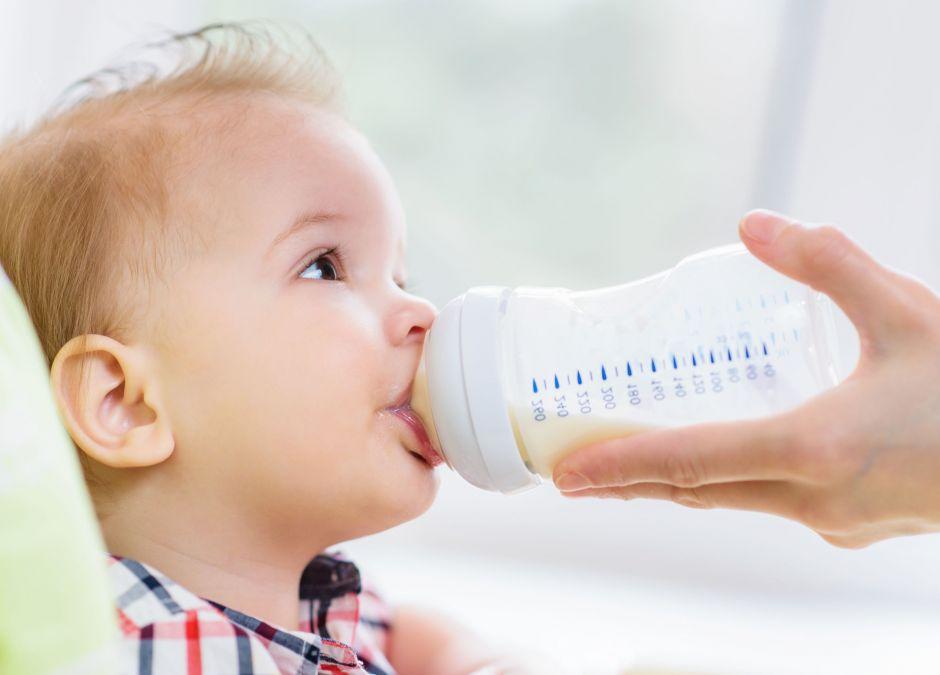 butelka dla rocznego dziecka
