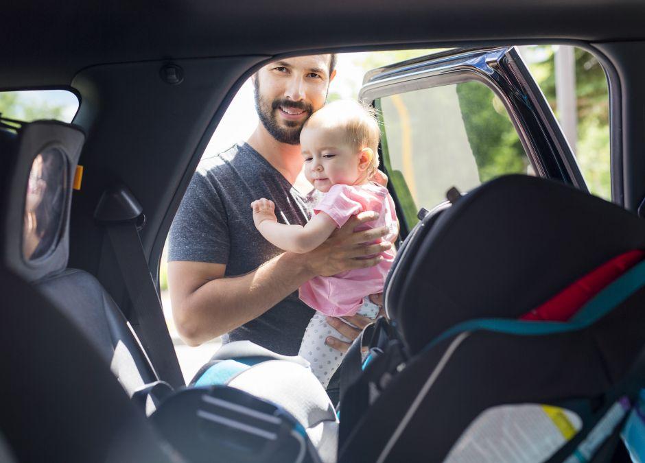 carsharing panek oferuje samochody z podkładkami dla dzieci