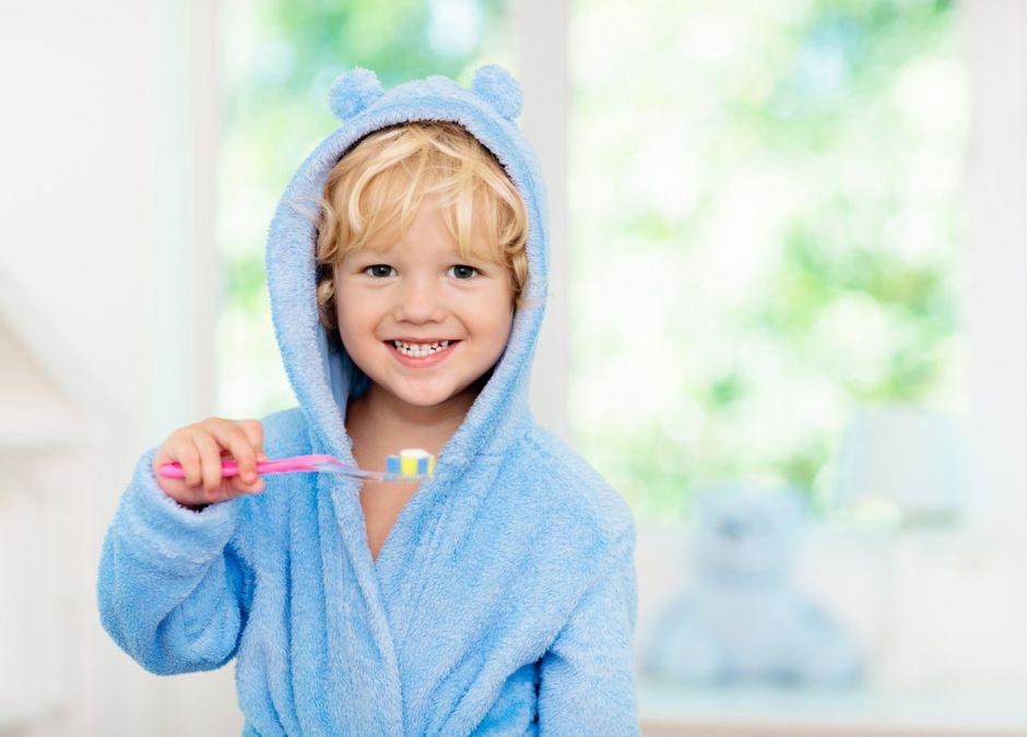 Cebion listopad mycie zębów