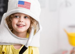 Chłopiec marzy o zostaniu astronautą