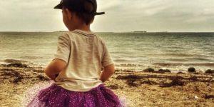 Chłopiec w spódniczce