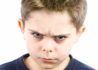 Chłopiec, złość, agresja, emocje, adhd, dziecko z adhd