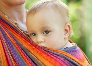 Chusty do noszenia niemowlaków