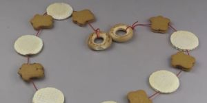 Ciasteczkowy łańcuch na choinkę