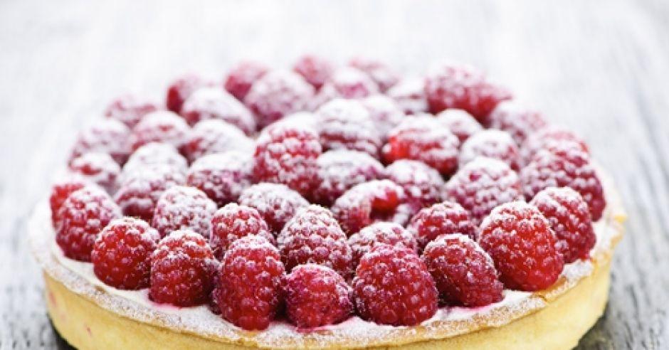 ciasto, biszkopt, ciasto z owocami, ciasto z malinami, maliny