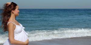ciąża, podróże w ciązy, wyjazdy w ciąży, wakacje w ciąży, morze, lato w ciąży, opalanie w ciąży