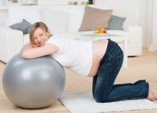 ciąża, poród, piłka na porodówce
