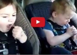 Co dzieci śpiewają w samochodzie?