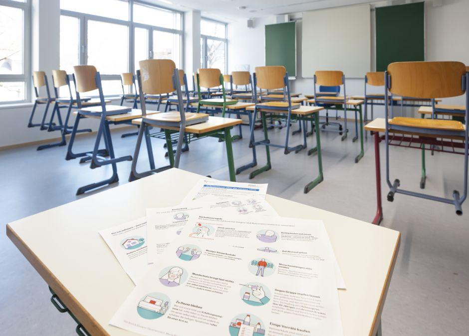 Coraz więcej szkół zawiesza nauczanie stacjonarne