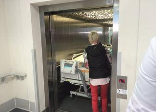 Córka Ewy Błaszczyk pojechała na operację