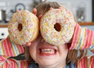 Złe wieści, łasuchy! Cukier jest gorszy od traumy w dzieciństwie