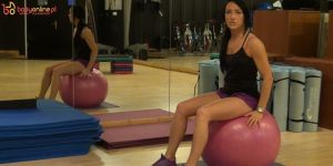 ćwiczenia w ciąży, ćwiczenia na piłce, ćwiczenia w pierwszym trymestrze ciąży, ćwiczenia dla ciężarnych
