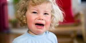 Czy dziecko z gorączką może wyjść na dwór?