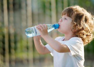 Czy plastikowe butelki są bezpieczne dla dzieci