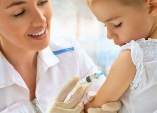 czy Polacy szczepią dzieci