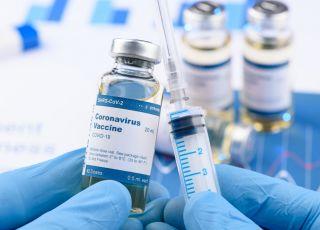 Czy szczepionka na koronawirusa będzie żywa? Czy będą nam wszczepiać żywego wirusa?