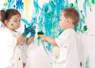 Czy zajęcia plastyczne dla dziecka to dobry pomysł?
