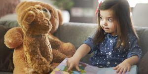 czytanie książek dziecku, dziecko czyta książki
