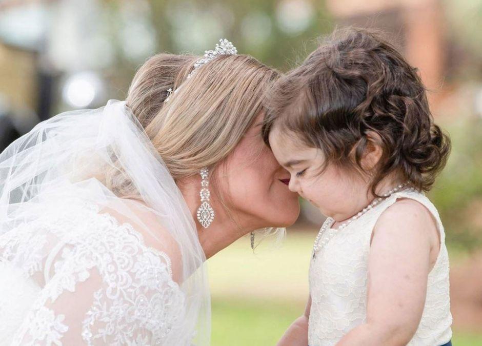 Dawczyni szpiku zaprosiła 3-latke na ślub